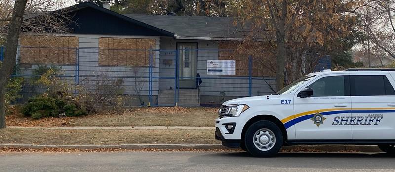 10062021-Alberta Sheriffs close drug house